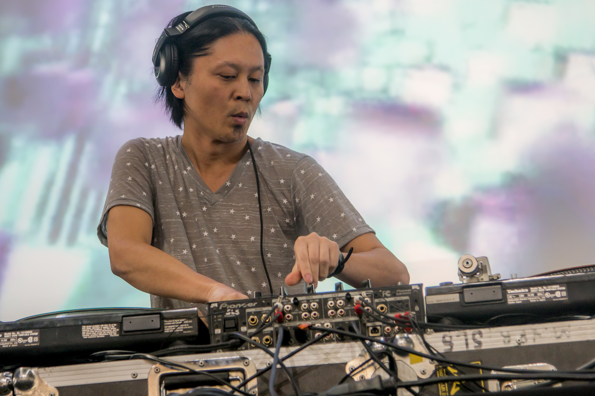«One day I decided to send my own music to my most favorite record label  R & S» – Ken Ishii
